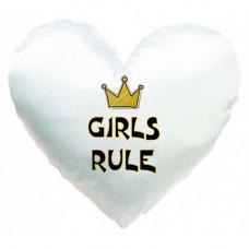"""Spilvens sirds formā """"Girls rule"""""""